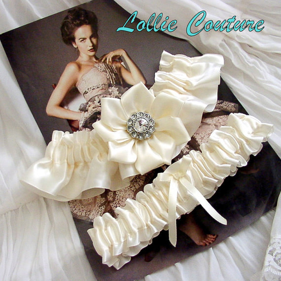 Garters garter sets wedding wedding garters bridal for Garter under wedding dress
